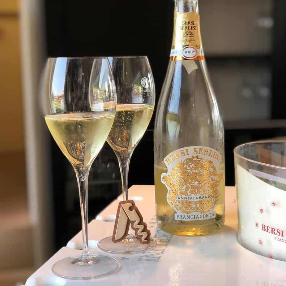 Degustazione dello spumante Franciacorta Brut Anniversario, Bersi Serlini