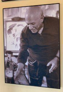 Pablo Picasso che degusta il vino di Gonzales Byass