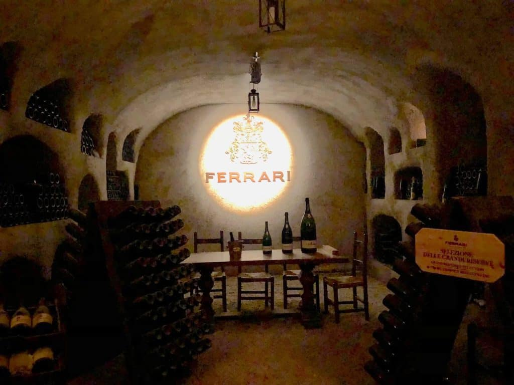 Sala di Degustazione interna presso la cantina di Ferrari Trento