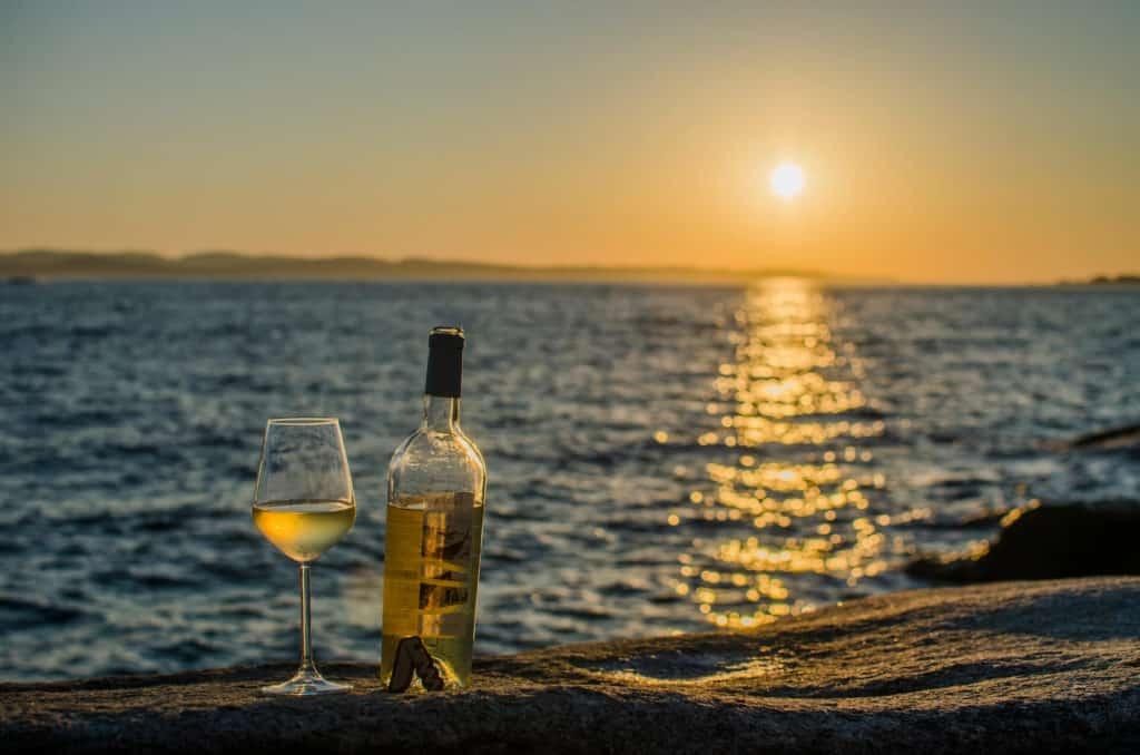 Vino Karmis di Contini degustato a Punta Tegge su la Maddalena