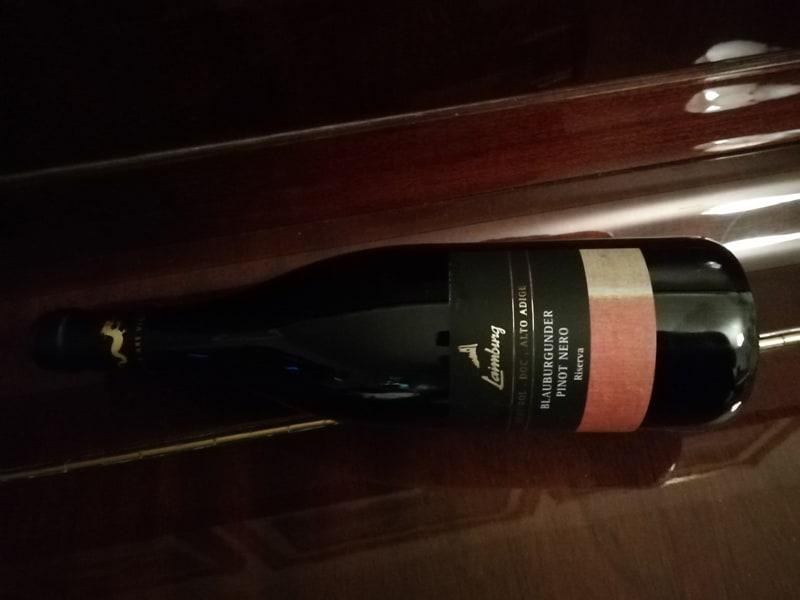 Un vino per la Pasta Salsiccia e Scamorza: il Pinot Nero Riserva 2016 di Laimburg