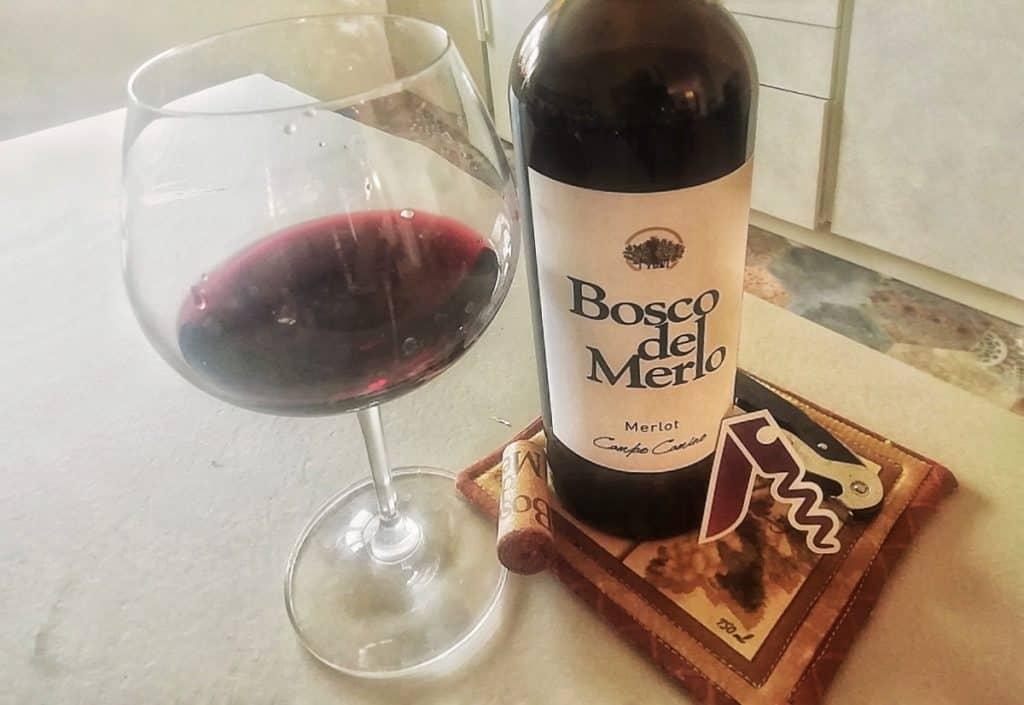 Il Merlot Campo Camino di Bosco del Merlo un Ottimo Vino per un Carré d'Agnello alle Prugne e Timo