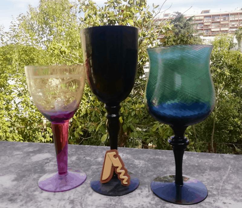 Bicchieri da Vino Colorati ... belli, ma meglio di no!