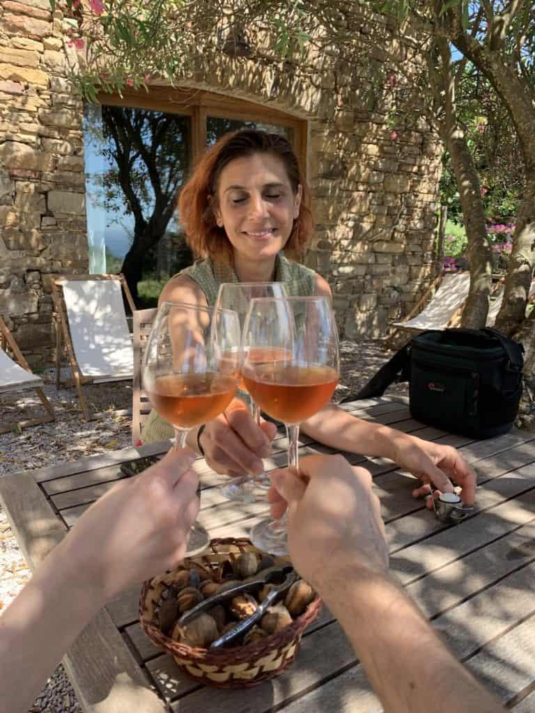 Brindisi con Ida Budetta dell'Azienda Agricola San Giovanni