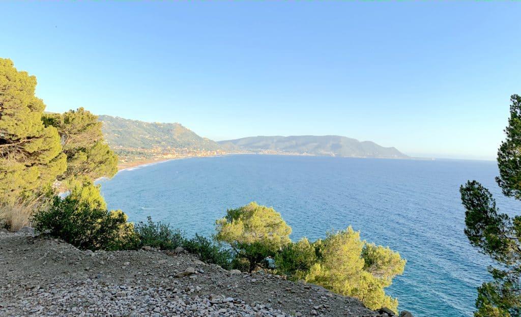 Strada verso Punta Tresino in direzione Azienda San Giovanni